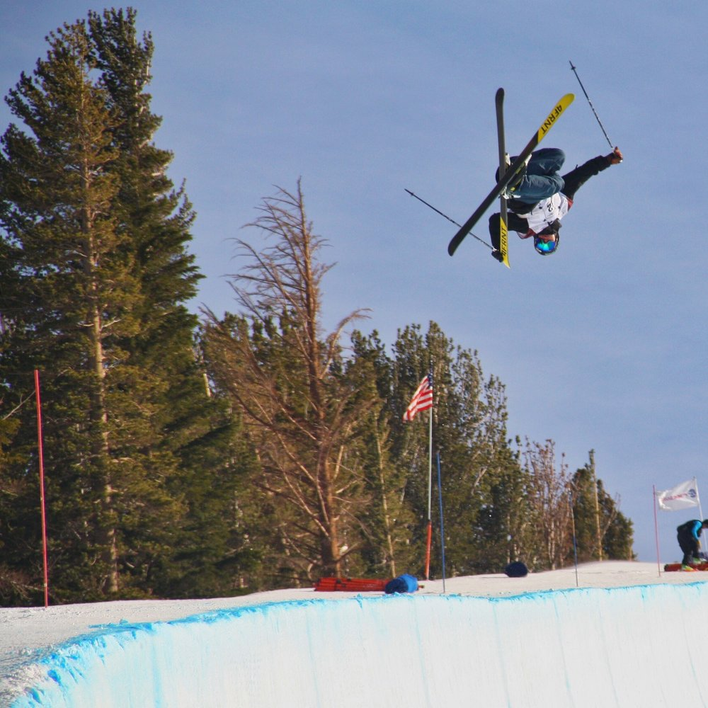 David Wise boosting the pipe. While we had a down day, we were able to watch the pipe contest.