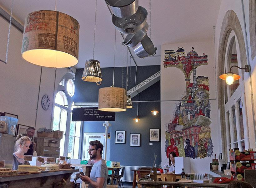 Brown and Green Café