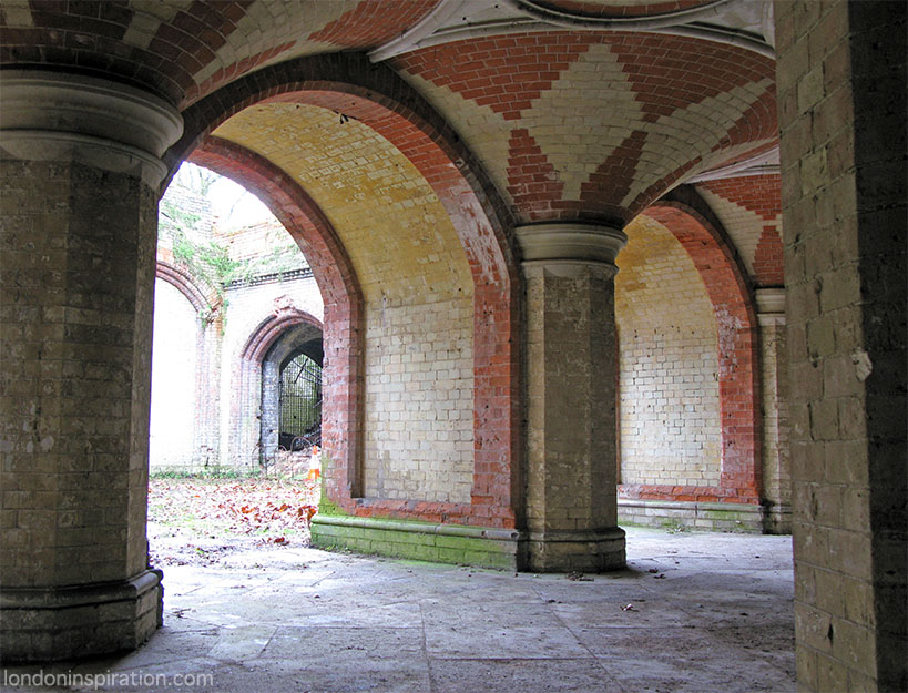 Crystal Palace Subway