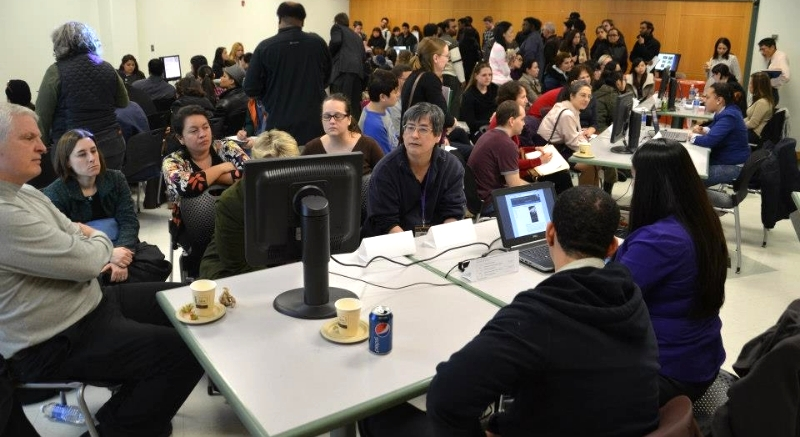 Students presenting their ePortfolio at LaGuardia. (Photo: ePortfolio at LaGuardia Community College).