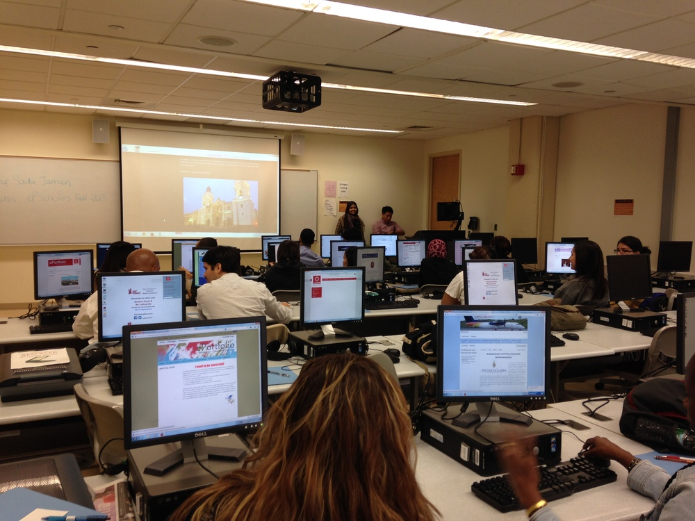 A view of the computer lab where students build their ePortfolios at LaGuardia.