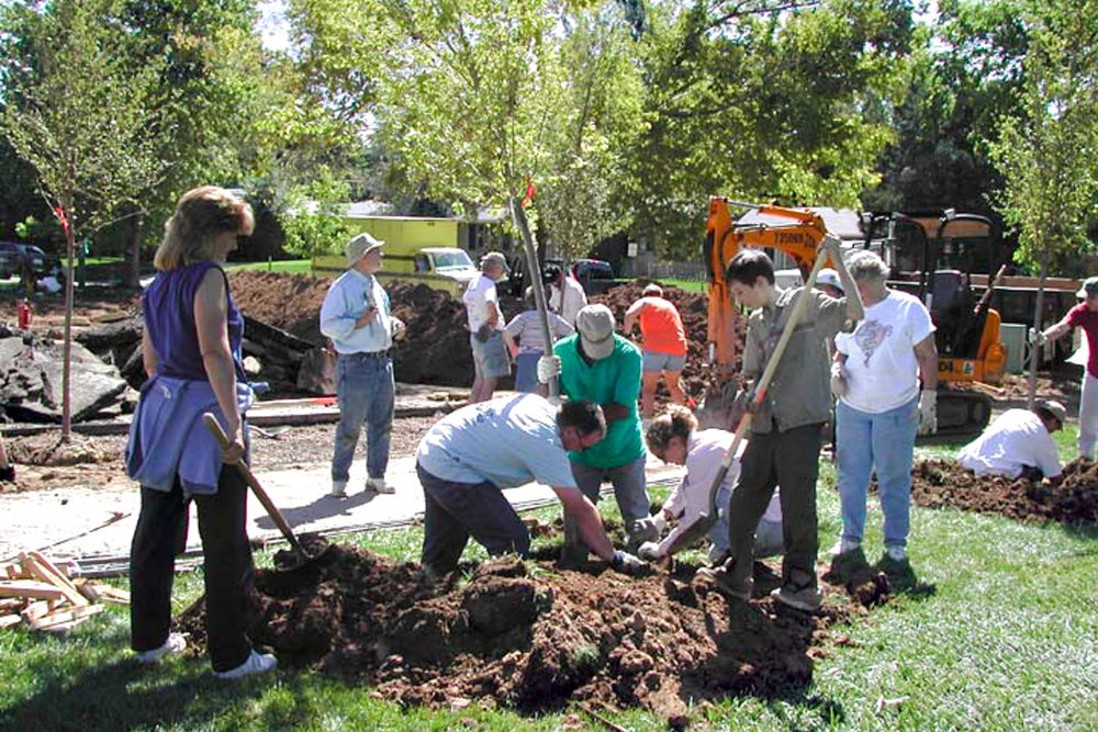 Volunteer tree planting, strengthening communities