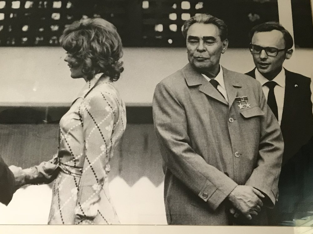 Russian President Leonid Brezhnev ogles actress Jill St. John at a Washington DC function. Copyright: Wally McNamee