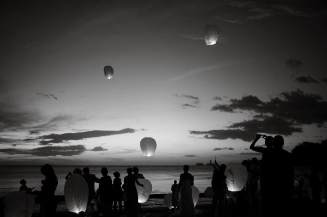 costa-rica-sky-lanterns.jpg