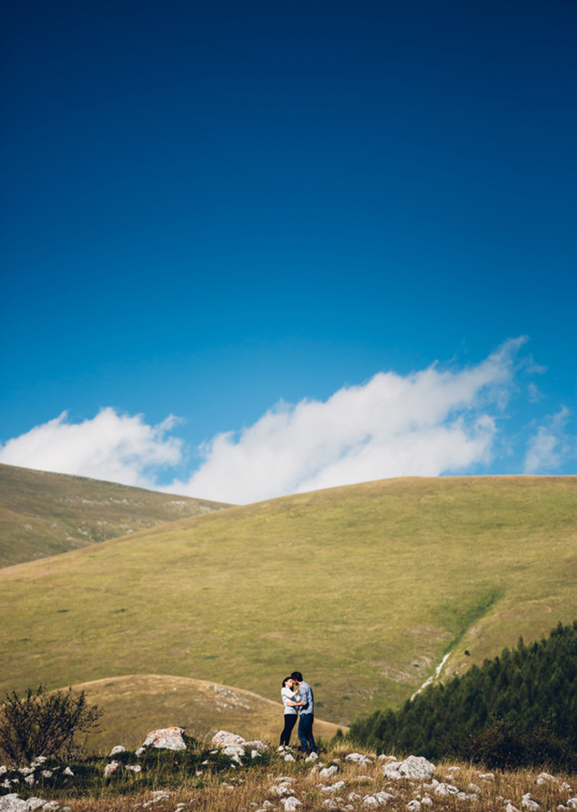 abruzzo-italy-engagement-session-wedding-reporter-03.jpg