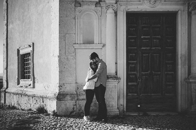 abruzzo-italy-engagement-session-wedding-reporter-11.jpg