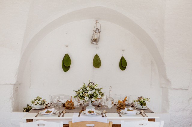 destination-wedding-inspiration-italy-styled-shoot-les-amis-photo-02.jpg