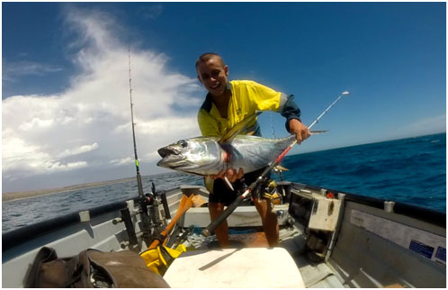 SAM MORRIS WITH A SOLO YELLOW FIN TUNA