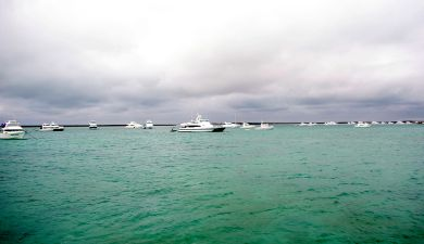 Boat activity near Big Pigeon Island at the Abrolhos