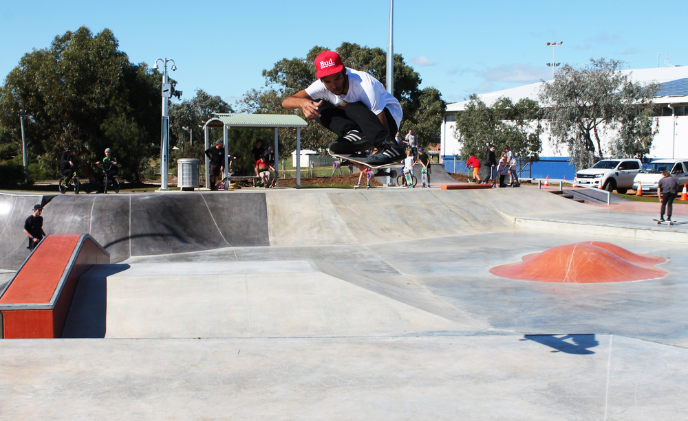 Sam Geerlings makes a jump during the opening of the Wonthella Skate Park last Friday.