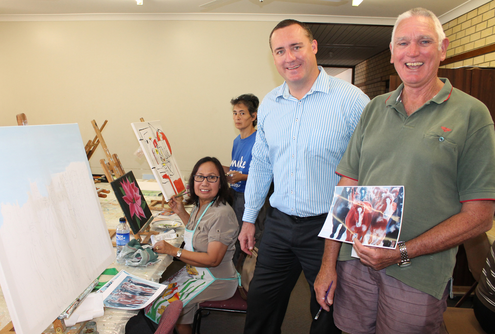 Mayor Shane Van Styn with members of the QEII Art Class.