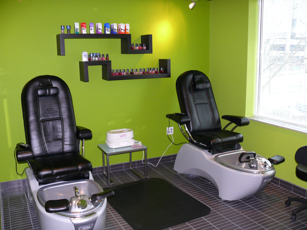 Salon Pedicure Thrones 1.jpg