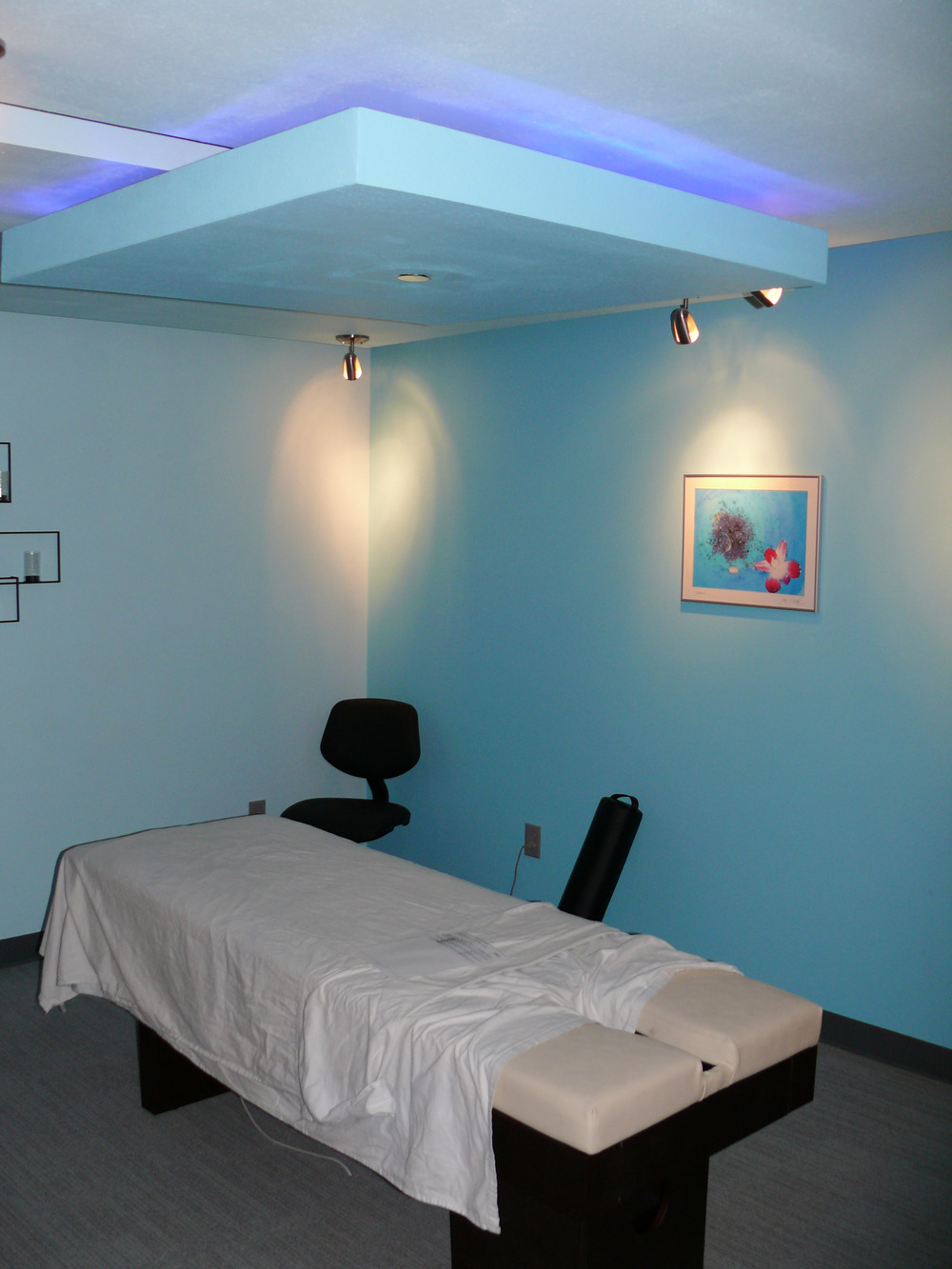 Salon Massage Room 2.jpg