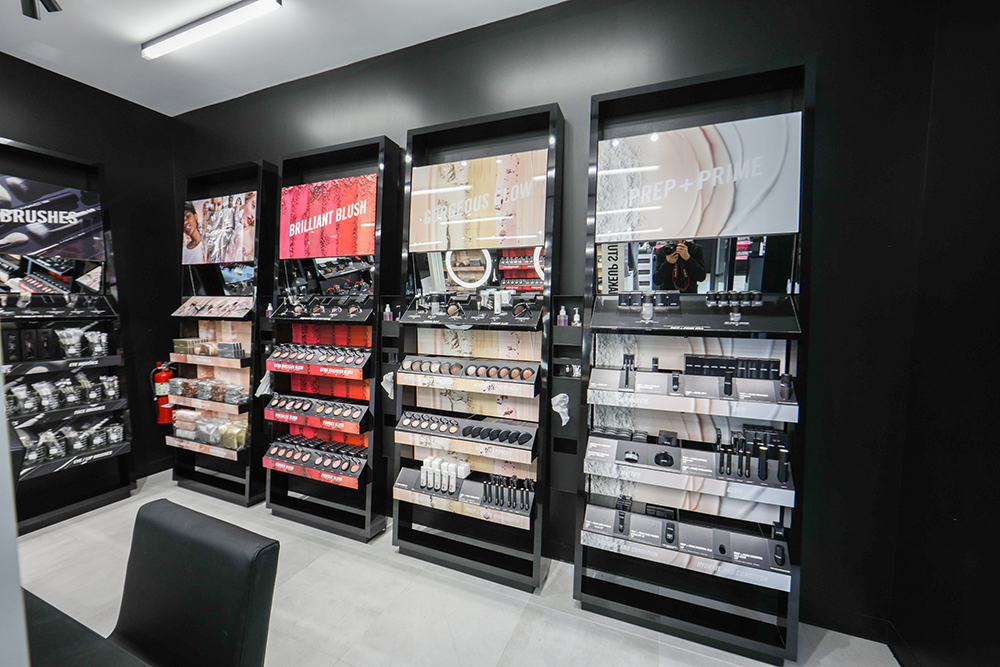 the_wieland_initiative_mac_cosmetics_new_store_format_in_store1.jpg