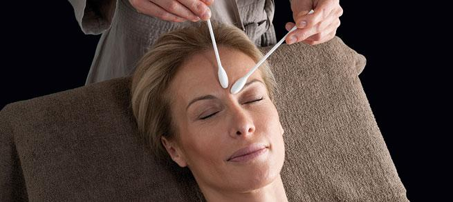 Smoothing anti- wrinkle treatment, restructuring