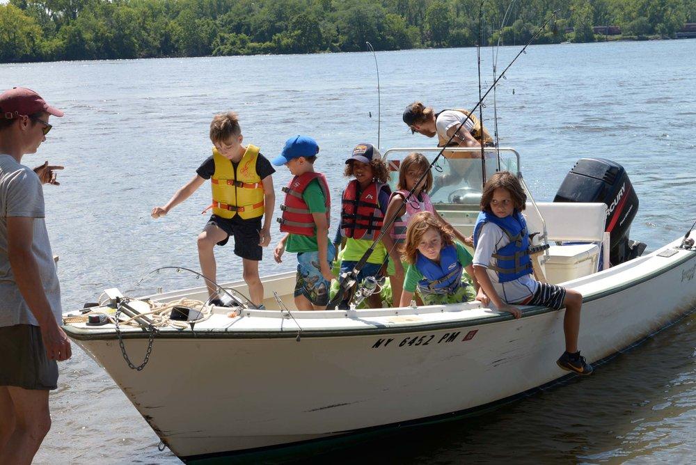 boat kids_2404.jpg