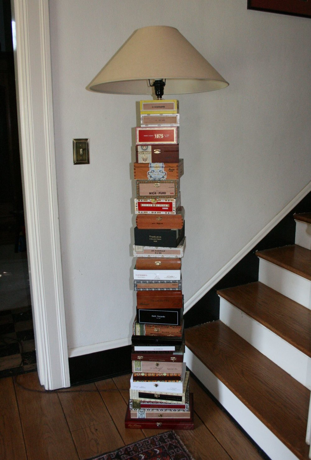 Cigar Box Lamp 3