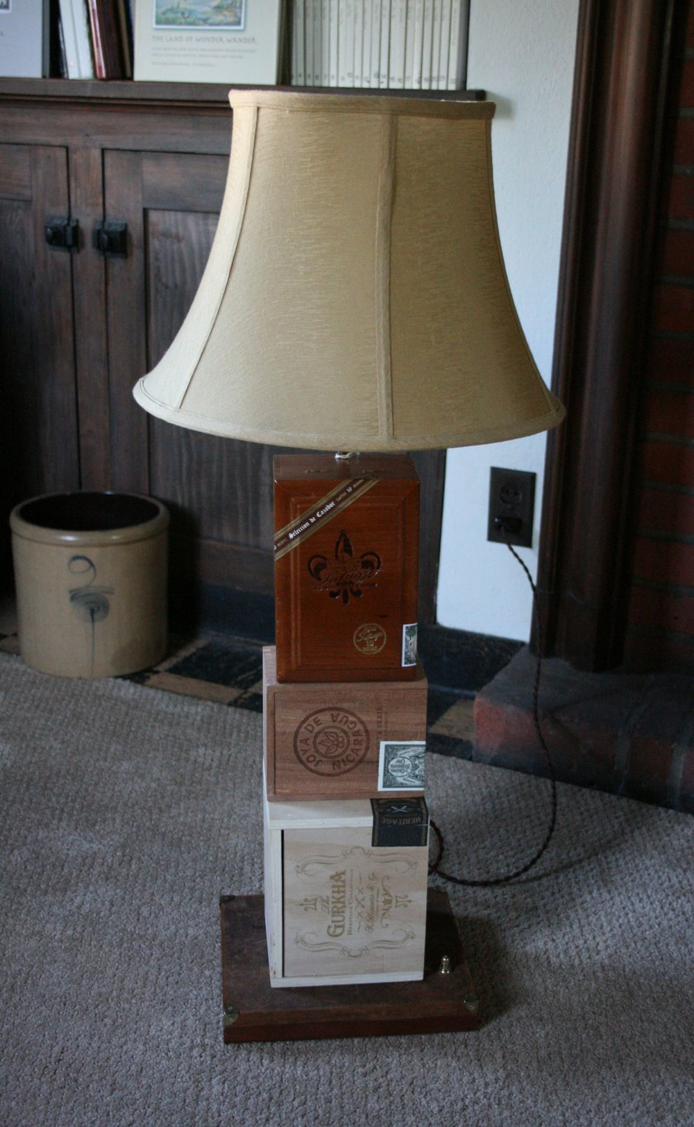 Cigar Box Lamp 4