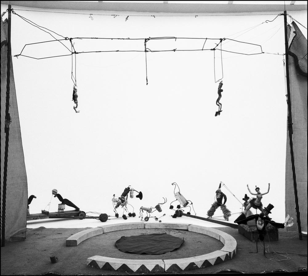 Alexander-Calder,-Circus,-1963-1964-Foto-von-Ugo-Mulas-©-Eredi-Ugo-Mulas.-Tutti-i-diritti-riservati.jpg