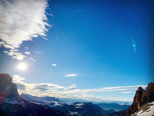 Bringing you back to nature 🔹 —————— #Dolomites #Dolomiti #ourmountains #amazing #alps #italianalps #südtirol #southtyrol #altoadige #unescoworldheritage #happyplace #wanderlust #nature #naturephotography #instatravel #travelblogger #travelphotography #travelgram @visitsouthtyrol @unescoitaly
