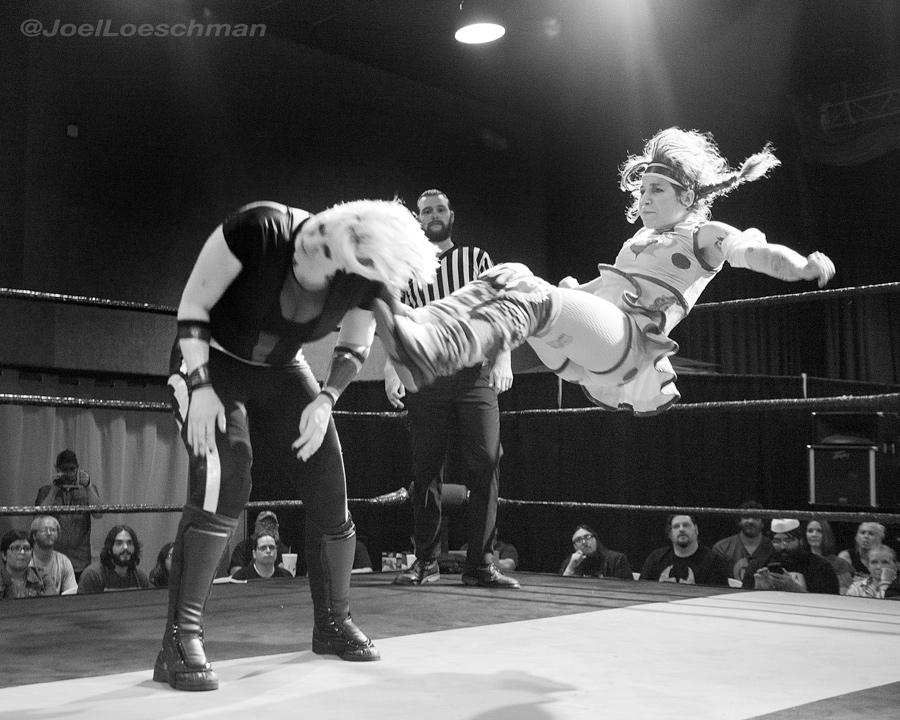 At long last, Delilah Doom brings the pain to Angelus Layne. Photo by Joel Loeschman.
