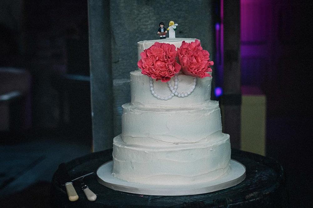 Errol-Park-Perthshire-wedding-wedding-cake.jpg