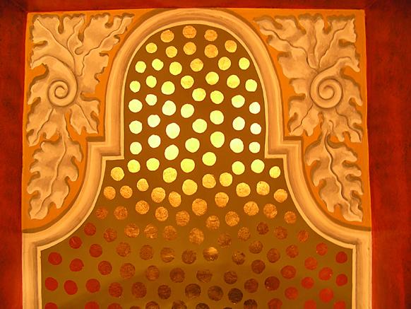 Gilded ceiling design