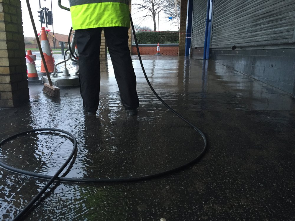 Commercial Pressure Washing 1
