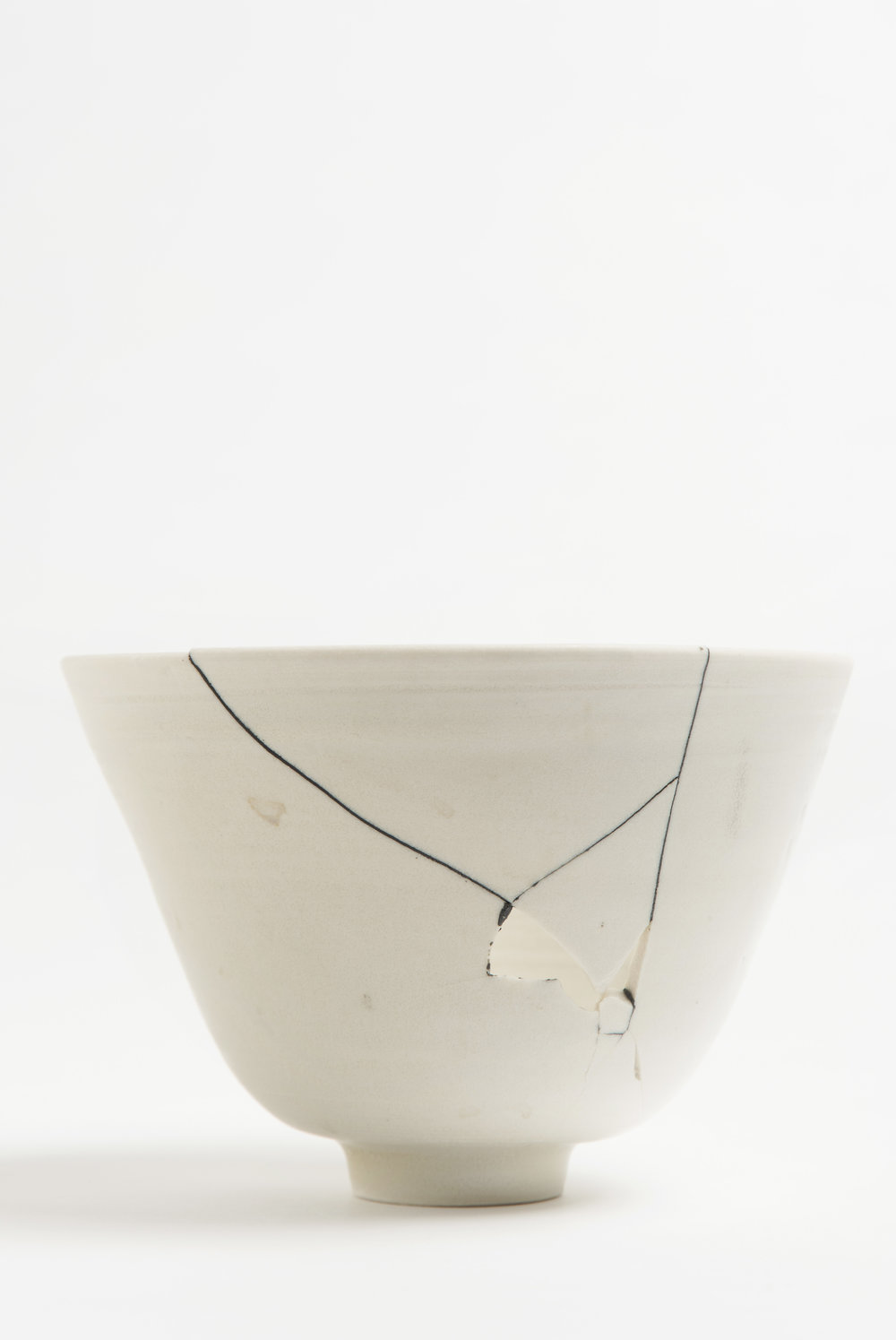 white-fracture-series-bowl-romy-northover-ceramics-the-garnered-40.jpg