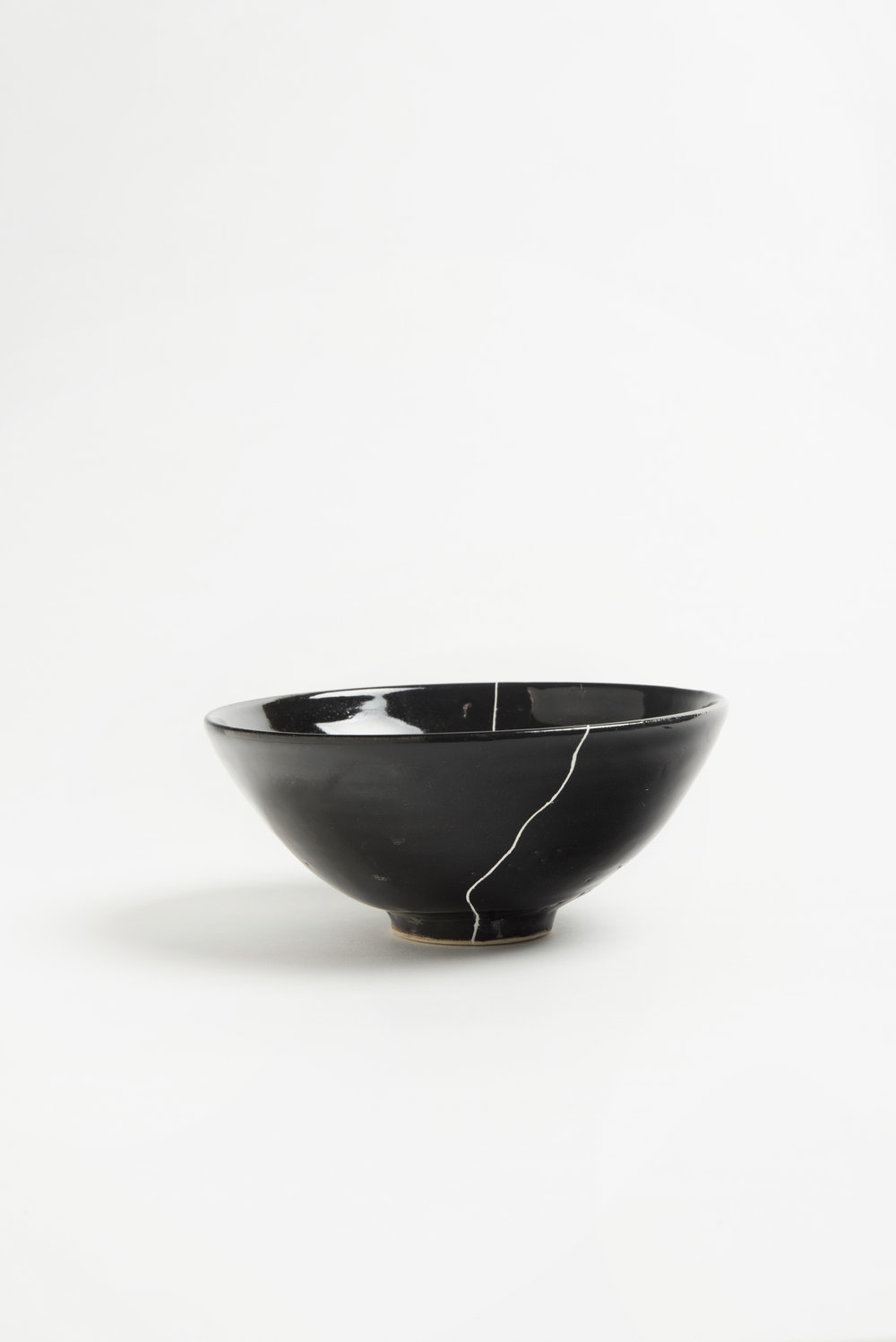 black-fracture-series-bowl-romy-northover-ceramics-the-garnered-42.jpg