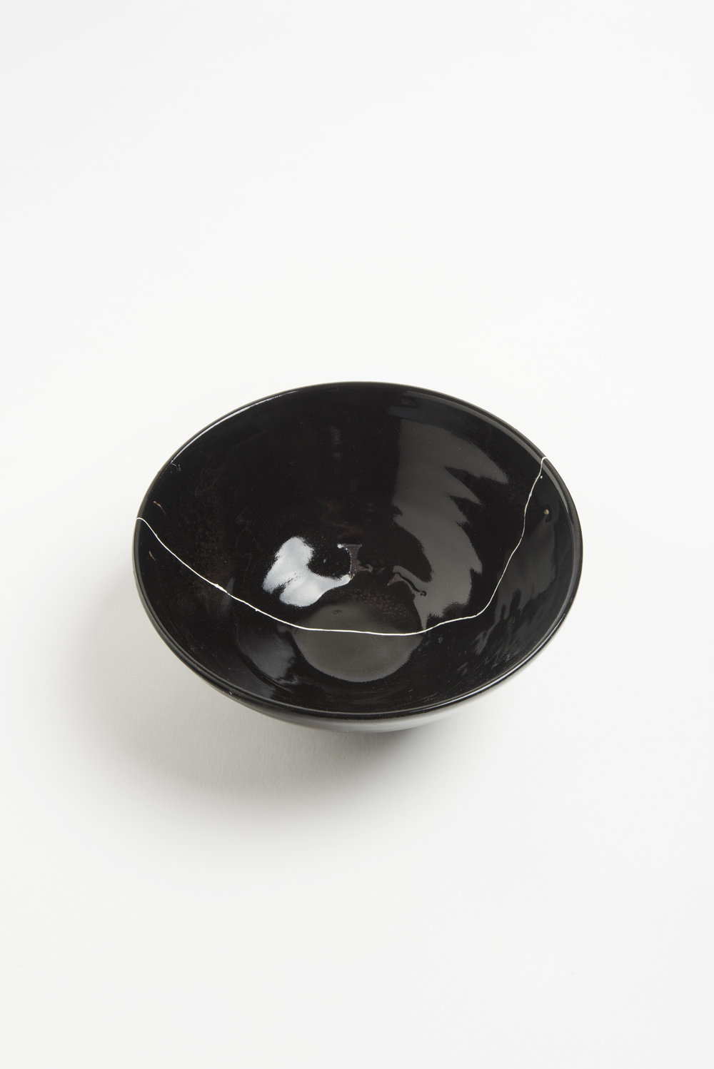 black-fracture-series-bowl-romy-northover-ceramics-the-garnered-46.jpg