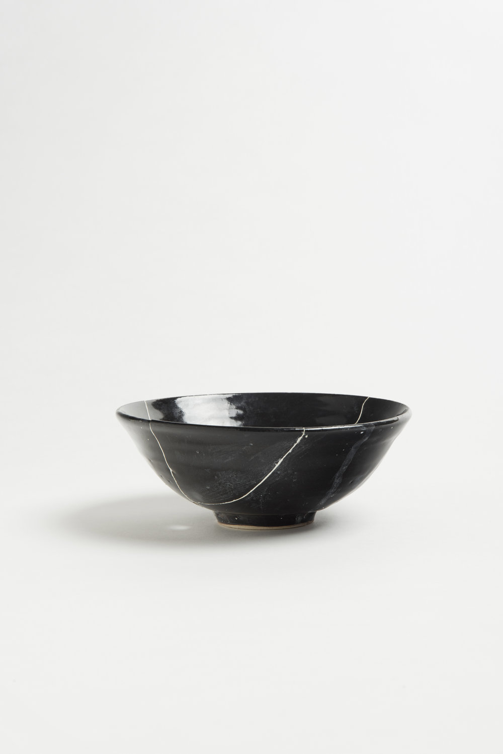 black-fracture-series-bowl-romy-northover-ceramics-the-garnered-60.jpg