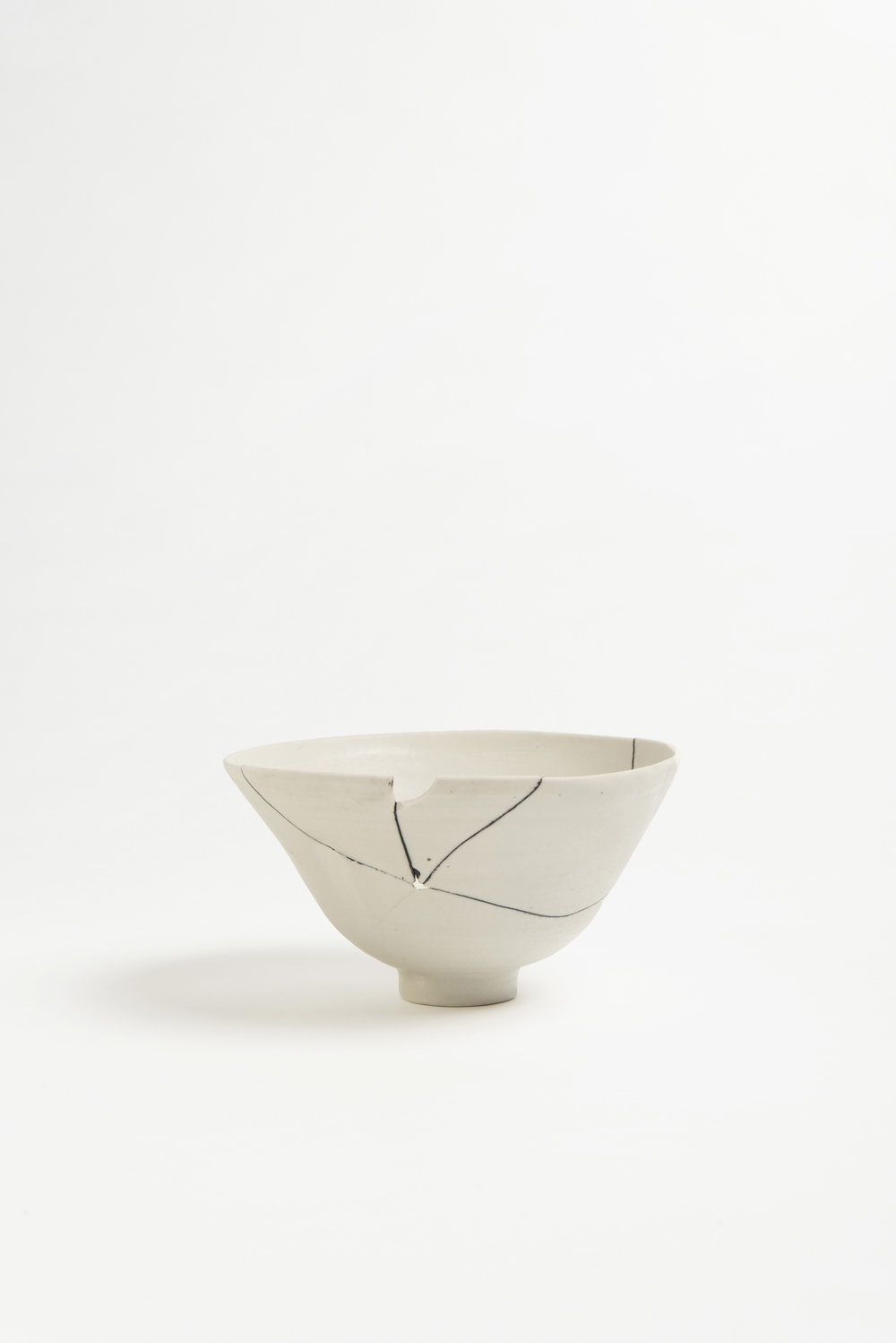 white-fracture-series-bowl-romy-northover-ceramics-the-garnered-02.jpg