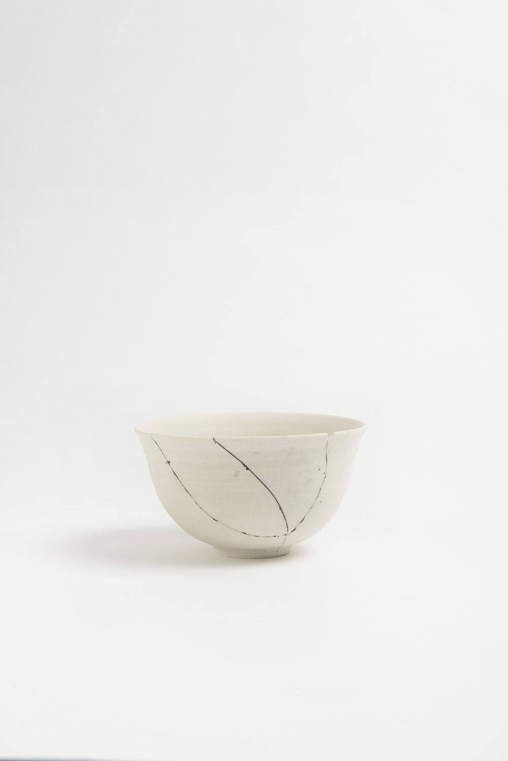 white-fracture-series-bowl-romy-northover-ceramics-the-garnered-10.jpg