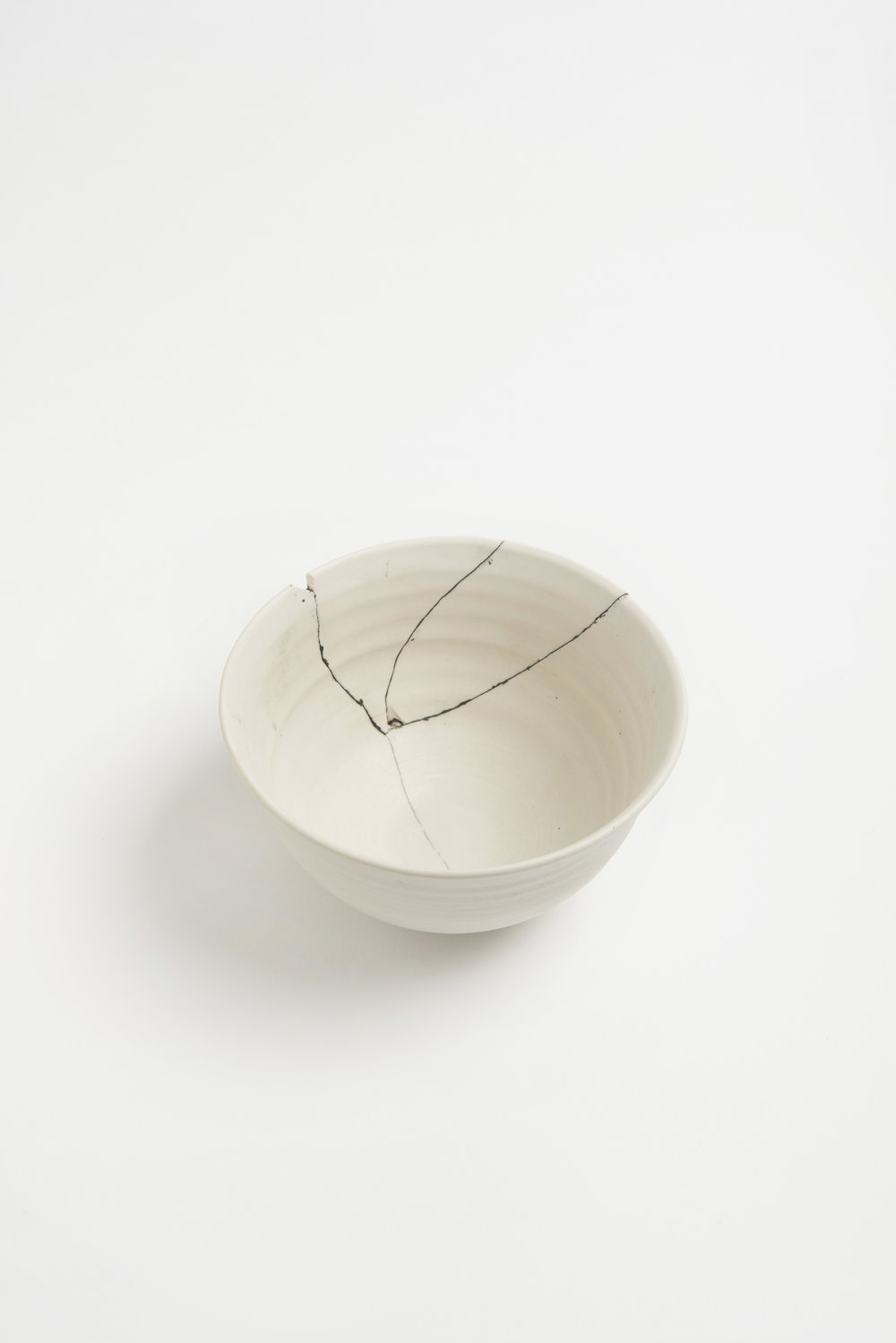 white-fracture-series-bowl-romy-northover-ceramics-the-garnered-12.jpg