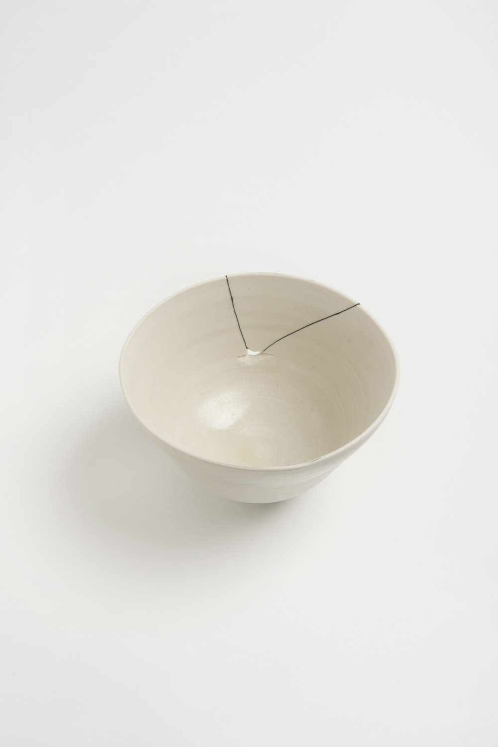 white-fracture-series-bowl-romy-northover-ceramics-the-garnered-32.jpg