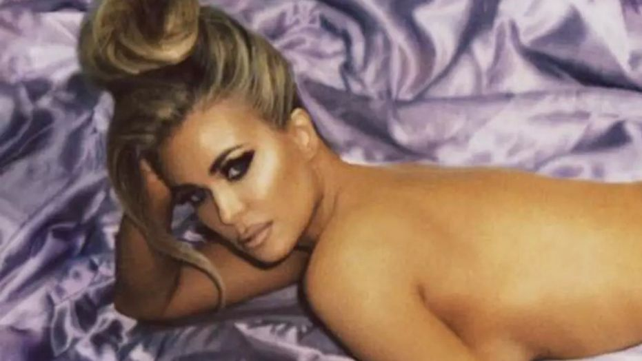 carmen-electra-poses-nude-for-shoot-with-photographer-eli-russell-linnetz.jpg