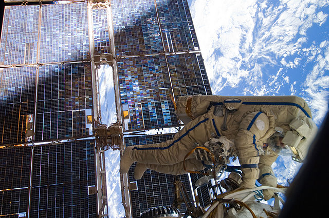 Cosmonaut Sergei Volkov works outside the ISS in 2011. (Image credit: NASA)