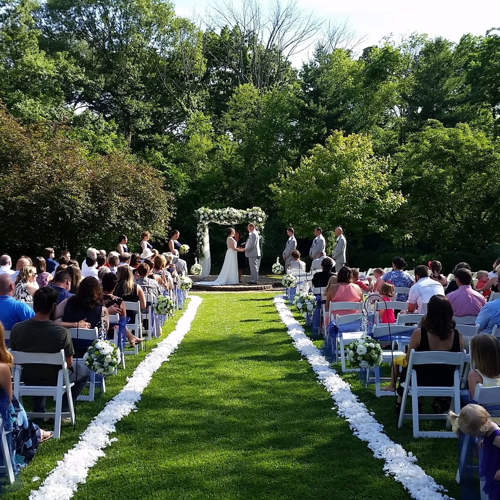 Ceremony Services - - 1 Hour of playtime service for the Ceremony- 3 Wireless microphones (Officiant, Groom, Reader)- 1 Professional Sound board with Professional Speaker- Custom music selections chosen by you for your wedding- Custom Prelude & Postlude music$500!