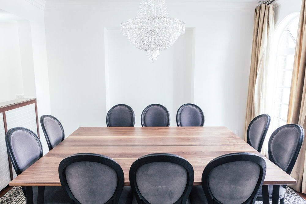 Dining table for serious entertainers.