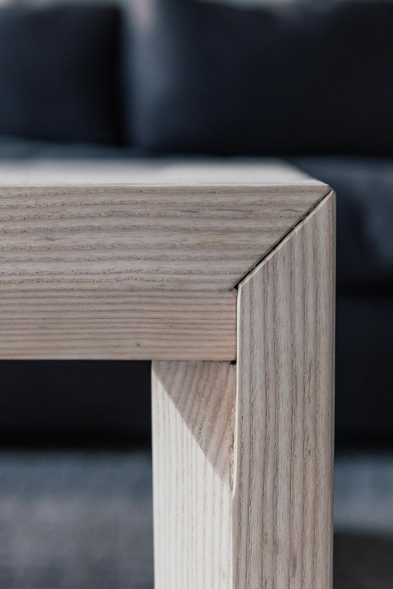 Hand-chiseled corner detail