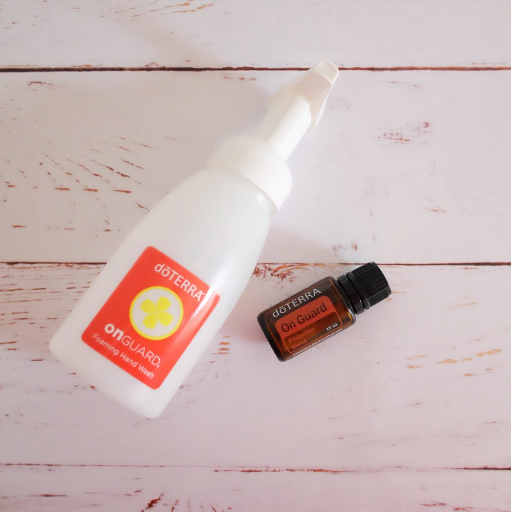 On Guard Protective Blend - A blend of Wild Orange Peel, Clove Bud, Cinnamon Leaf, Cinnamon Bark, Eucalyptus Leaf, and Rosemary Leaf/Flower essential oils. onGuard provides a natural and effective alternative for immune support and protects against environmental and seasonal threats