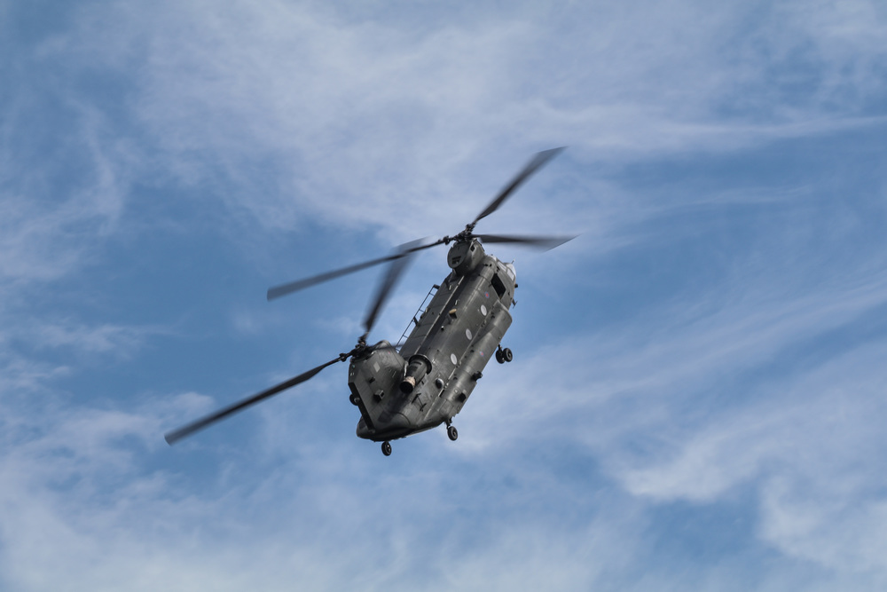 RAF Chinook steep climb.jpg