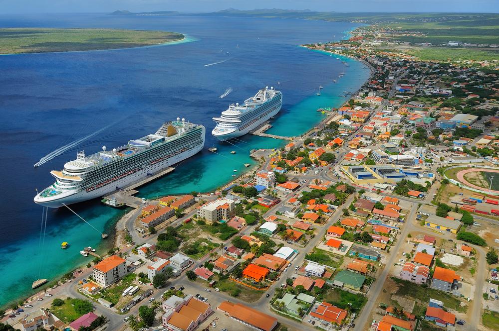 Luchtfoto - Haven Bonaire.jpg