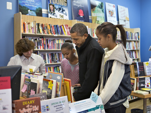 President Obama kicks off his holiday shopping with a visit to his local independent bookstore.