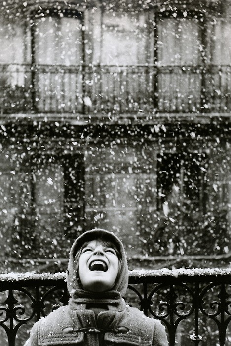 Edouard Boubat, Catching Snowflakes, Paris, France 1960