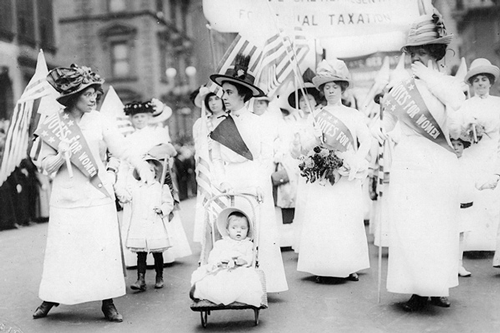 Suffrage parade in New York City, May 1912. Library of Congress.