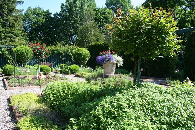 Herb Gardens.jpg