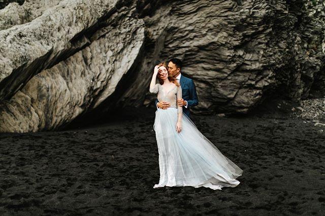 Keeping warm on a windy day in Dyrhólaey with Erin and Toy. —⠀⠀⠀⠀⠀⠀⠀⠀⠀ —⠀⠀⠀⠀⠀⠀⠀⠀⠀ —⠀⠀⠀⠀⠀⠀⠀⠀⠀ —⠀⠀⠀⠀⠀⠀⠀⠀⠀ —⠀⠀⠀⠀⠀⠀⠀⠀⠀ #agameoftones #lookslikefilm #fineartphotography #luxurywedding #weddingphotography #weddinginspo #weddingstyle #theknot #instyle #marthaweddings #patfureyphotography #icelandwedding #destinationwedding⠀⠀⠀⠀⠀⠀⠀⠀⠀ #vogue