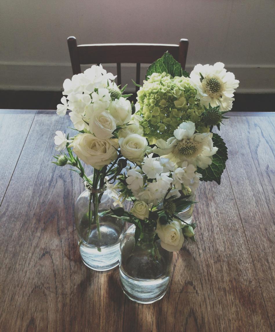 flowerstarahurstdesign.png